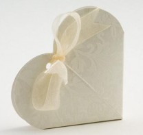 image of Favour Boxes - Heart Style